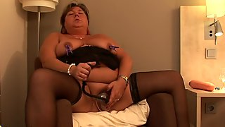Big amateur mature mother playing with herself