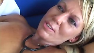 Full bodied mom is banged brutally in hardcore interracial porn video