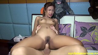 Exclusive Scene Thai Amateur Mai Tries To Deal Wit
