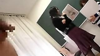 Japanese nude art class has live demonstration movie